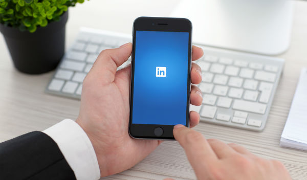 how to delete linkedin business page