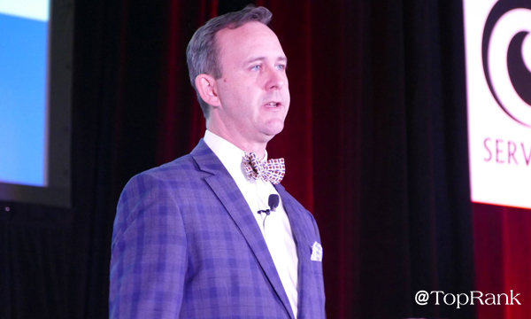 Scott Monty Speaking at Pubcon Photo by Lane R. Ellis