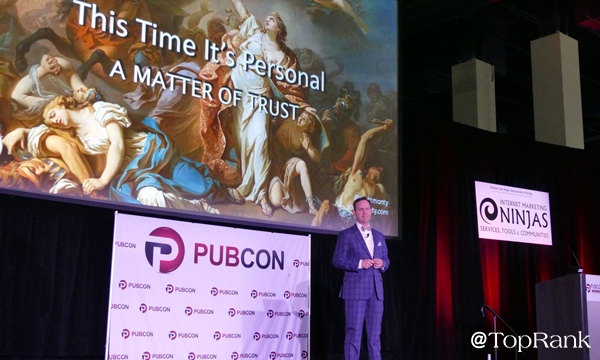 Scott Monty Speaking at Pubcon Photo by Lane R. Ellis